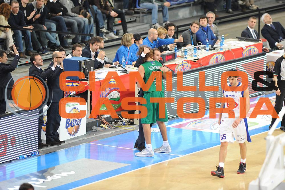 DESCRIZIONE : Torino Coppa Italia Final Eight 2012 Finale Montepaschi Siena Bennet Cantu <br /> GIOCATORE : Shaun Stonerook<br /> CATEGORIA : curiosita<br /> SQUADRA : Montepaschi Siena<br /> EVENTO : Suisse Gas Basket Coppa Italia Final Eight 2012<br /> GARA : Montepaschi Siena Bennet Cantu<br /> DATA : 19/02/2012<br /> SPORT : Pallacanestro<br /> AUTORE : Agenzia Ciamillo-Castoria/GiulioCiamillo<br /> Galleria : Final Eight Coppa Italia 2012<br /> Fotonotizia : Torino Coppa Italia Final Eight 2012 Finale Montepaschi Siena Bennet Cantu<br /> Predefinita :