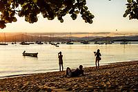 Por do sol na Praia de Santo Antonio de Lisboa. Florianópolis, Santa Catarina, Brasil. / Santo Antonio de Lisboa Beach at sunset. Florianopolis, Santa Catarina, Brazil.