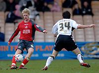 Photo: Glyn Thomas.<br />Port Vale v Swansea City. Coca Cola League 1. 08/04/2006.<br />Swansea's Alan Tate (L).