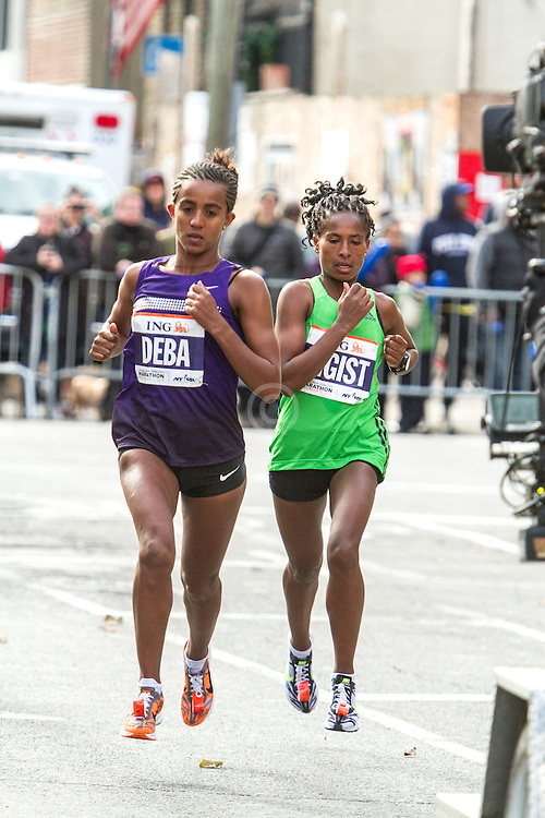 ING New York CIty Marathon: Buzunesh Deba and Tigist Tufa lead race near mile 8