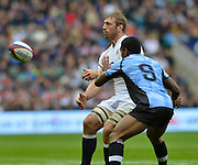 Twickenham, GREAT BRITAIN, Englands' Chris ROBSHAW moves the ball on during the QBE International Series, England vs Fiji, Autumn International at Twickenham Stadium, Surrey on   Saturday,  10/11/2012.  Mandatory Credit  [Peter Spurrier/Intersport-images]