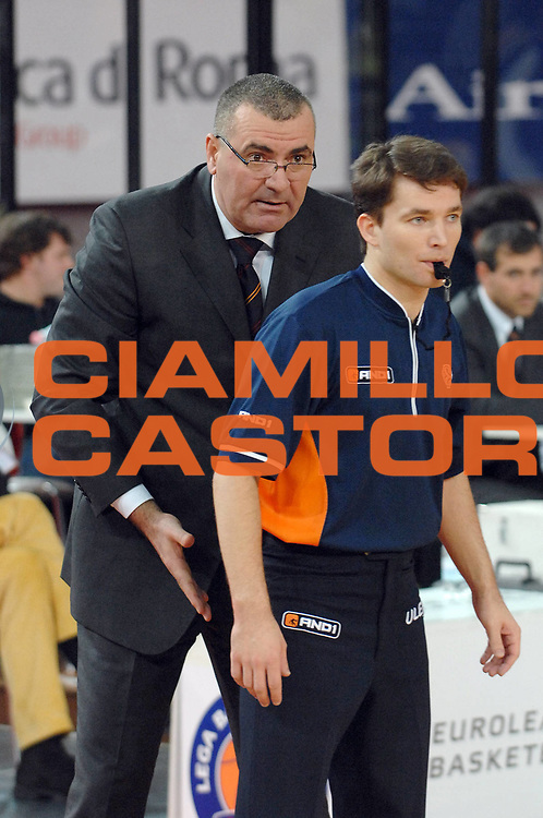 DESCRIZIONE : Roma Eurolega 2007-08 Lottomatica Virtus Roma Partizan Belgrado<br /> GIOCATORE : Jasmin Repesa Arbitro Referees <br /> SQUADRA : Lottomatica Virtus Roma<br /> EVENTO : Eurolega 2007-2008 <br /> GARA : Lottomatica Virtus Roma Partizan Belgrado<br /> DATA : 16/01/2008<br /> CATEGORIA : Delusione<br /> SPORT : Pallacanestro <br /> AUTORE : Agenzia Ciamillo-Castoria/E. Grillotti