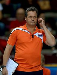 01-10-2014 ITA: World Championship Volleyball Servie - Nederland, Verona<br /> Nederland verliest met 3-0 van Servie en is kansloos voor plaatsing final 6 / Coach Gido Vermeulen