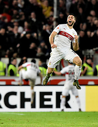 30.12.2015, Mercedes Benz Arena, Stuttgart, GER, 1. FBL, VfB Stuttgart vs Hamburger SV, 19. Runde, im Bild TOR zum 2:1 durch Artem Kravets VfB Stuttgart per Kopfball Torjubel bei Emiliano Insua VfB Stuttgart // during the German Bundesliga 19th round match between VfB Stuttgart and Hamburger SV at the Mercedes Benz Arena in Stuttgart, Germany on 2015/12/30. EXPA Pictures © 2016, PhotoCredit: EXPA/ Eibner-Pressefoto/ Weber<br /> <br /> *****ATTENTION - OUT of GER*****