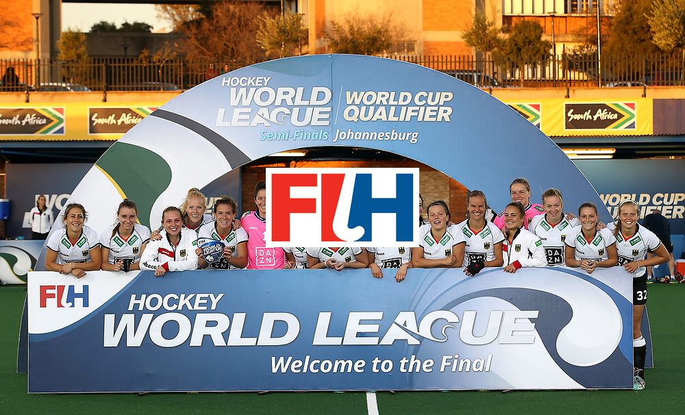 JOHANNESBURG, SOUTH AFRICA - JULY 23:  Germany players pose after securing 2nd place during day 9 of the FIH Hockey World League Women's Semi Finals at Wits University on July 23, 2017 in Johannesburg, South Africa.  (Photo by Jan Kruger/Getty Images for FIH)