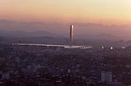 General view of the Han river that goes through Seoul and the Yuksam building which is the highest building of Northern Asia ~63 stairs~ Vue générale sur la rivière Han qui traverse la capitale et le Yuksam Building le plus haut bâtiment d'Asie du nord ~63 étages ///    L2698  /  R00030  /  P0003302