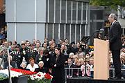 Dodenherdenking 2009 op de Dam in Amsterdam / commemoration of the dead 2009 in Amsterdam<br /> <br /> Op de foto / On the Photo: Major of Amsterdam Job Cohen