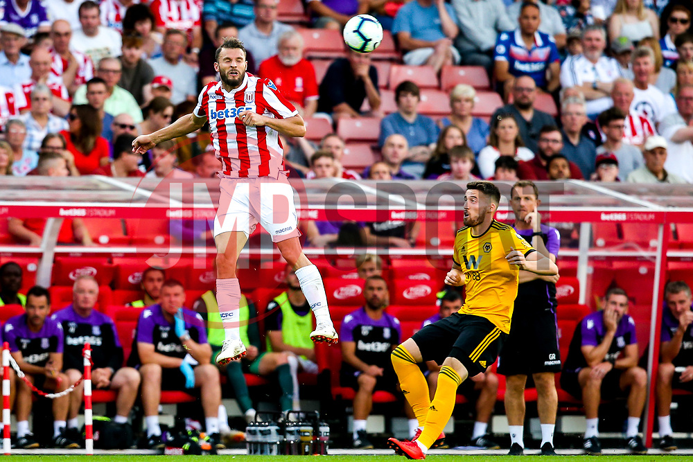 Geoff Cameron of Stoke City heads the ball - Mandatory by-line: Robbie Stephenson/JMP - 25/07/2018 - FOOTBALL - Bet365 Stadium - Stoke-on-Trent, England - Stoke City v Wolverhampton Wanderers - Pre-season friendly