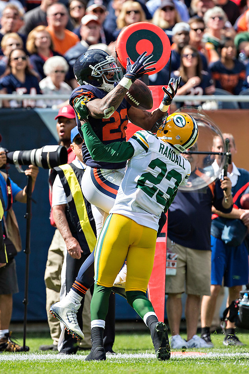 CHICAGO, IL - SEPTEMBER 13:  Matt Forte #22 of the Chicago Bears tries to catch a pass while being defended by Damarious Randall #23 of the Green Bay Packers at Soldier Field on September 13, 2015 in Chicago, Illinois.  The Packers defeated the Bears 31-23.  (Photo by Wesley Hitt/Getty Images) *** Local Caption *** Matt Forte; Damarious Randall