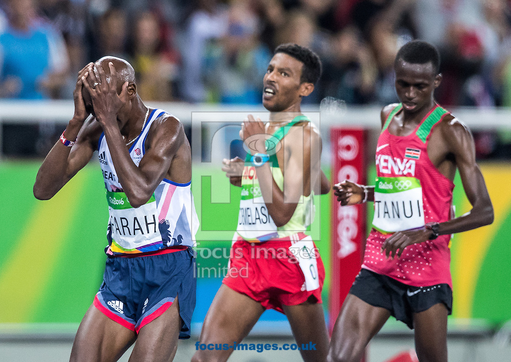 Mo Farah of Great Britain takes Gold to retain his title in the Men's 10,000m on day eight of the XXXI 2016 Olympic Summer Games in Rio de Janeiro, Brazil.<br /> Picture by EXPA Pictures/Focus Images Ltd 07814482222<br /> 13/08/2016<br /> *** UK &amp; IRELAND ONLY ***<br /> <br /> EXPA-GRO-160814-5320.jpg