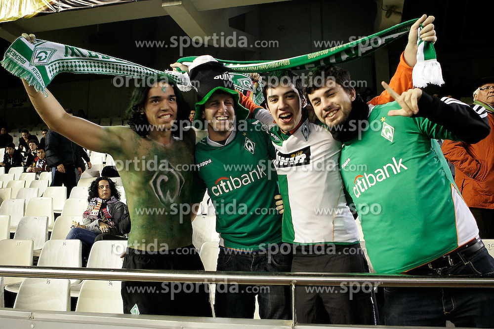 11.03.2010, Estadio Mestalla, Valencia, ESP, UEFA Europa League, FC Valencia vs Werder Bremen, im Bild Bremer Fans im Stadfion von Valencia. bunt angemalt., EXPA Pictures © 2010, PhotoCredit: EXPA/ Alterphotos/ Miguel Angel Acero / SPORTIDA PHOTO AGENCY