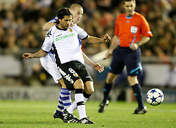 15.02.2011, Estadio Mestalla, Valencia, ESP, UEFA CL, FC Valencia vs Schalke 04, im Bild Schalke 04's Peer Kluge against Valencia's Mehmet Topal during Champions League Match. February 15, 2011, EXPA Pictures © 2010, PhotoCredit: EXPA/ Alterphotos/ Alvaro Hernandez +++++ ATTENTION - OUT OF SPAIN / ESP +++++