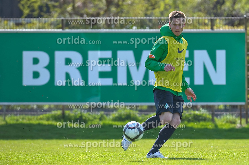 21.04.2010, Trainingsplatz, Bremen, GER, 1.FBL, Werder Bremen Training, im Bild  Markus Rosenberg ( Werder  #09 )    EXPA Pictures © 2010, PhotoCredit: EXPA/ nph/  Kokenge / SPORTIDA PHOTO AGENCY
