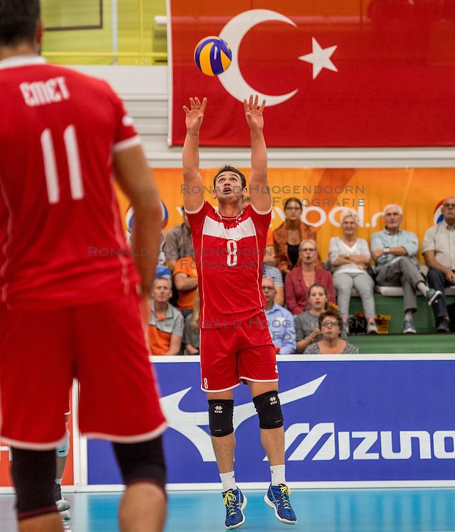 23-09-2016 NED: EK Kwalificatie Turkije - Wit Rusland, Koog aan de Zaan<br /> Turkije had het vrij lastig in de eerste wedstrijd tegen Wit Rusland maar blijven meedoen voor het EK ticket / Burutay Subasi #8