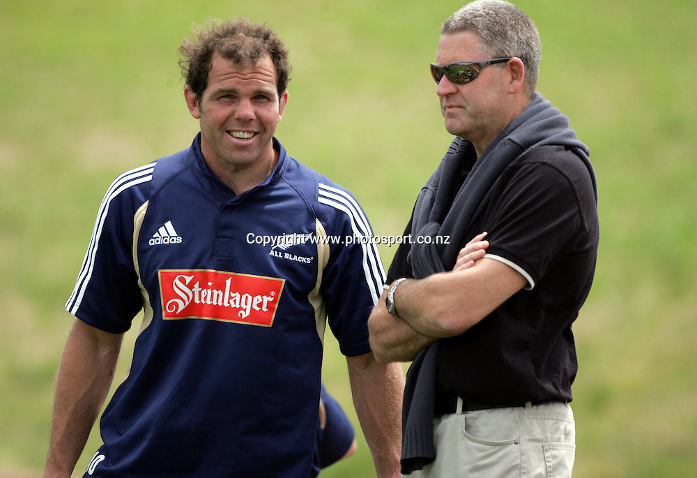 Anton Oliver talks with NZRU Deputy CEO, Steve Tew at All Black Training, Trusts Stadium, Waitakere, Auckland, New Zealand on Wednesday 3 November, 2004. <br />