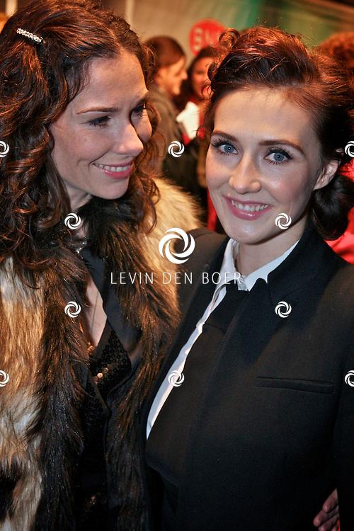AMSTERDAM - Halina Reijn en Carice van Houten op de premiere van de film Loft dinsdag in Amsterdam. De film is vanaf 16 december in de Nederlandse bioscopen te zien. FOTO LEVIN DEN BOER - PERSFOTO.NU