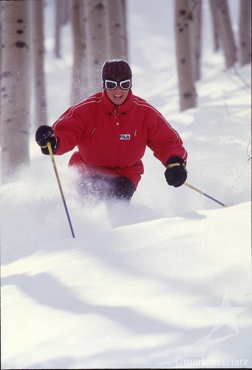 Sarah skiing the aspen