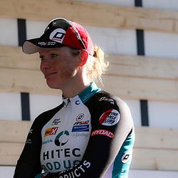 19-04-2015: Wielrennen: Ronde van Gelderland vrouwen: Apeldoorn<br /> APELDOORN (NED) wielrennen De vijftigste ronde van Apeldoorn werd verreden onder te mooie weersomstandigheden. In het Ordenbos eindigde de wedstrijd in een massasprint.<br /> Een tevreden Kirsten Wild na haar overwinning in de 50e ronde van Gelderland