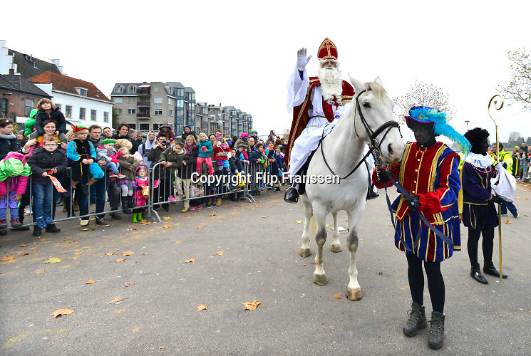 Nederland, Nijmegen, 12-11-2016Aankomst, intocht van de Sint. Er waren Zwarte Pieten .Foto: Flip Franssen