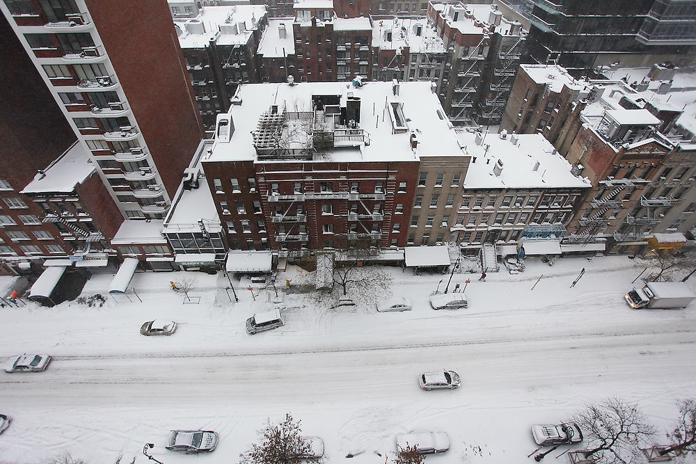 A view from above on 86th Street as the region is hit with a snow storm on February 26, 2009 in New York City. photo by Joe Kohen for The New York Times