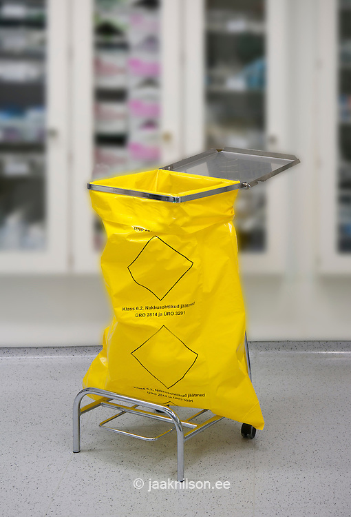 Surgical support equipment in Tartu university hospital. Instrument and surgical waste bag.