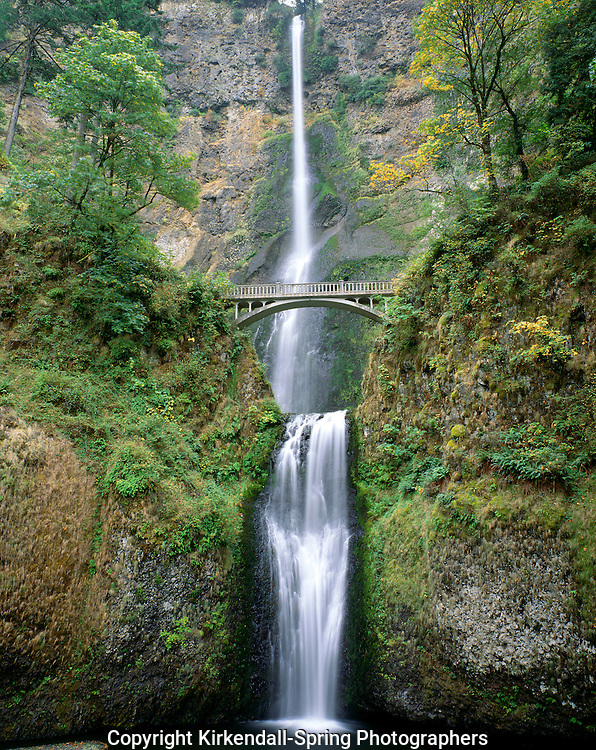 AA02287-02...OREGON - Multnomah Falls in the Columbia River Gorge National Scenic Area.