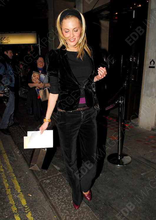 15.02.2006. LONDON<br /> <br /> CELEBRITIES SPOTTED LEAVING THE BRIT AWARDS 2006<br /> <br /> BYLINE: EDBIMAGEARCHIVE.CO.UK<br /> <br /> *THIS IMAGE IS STRICTLY FOR UK NEWSPAPERS AND MAGAZINES ONLY*<br /> *FOR WORLD WIDE SALES AND WEB USE PLEASE CONTACT EDBIMAGEARCHIVE.CO.UK - 0208 954 5968*