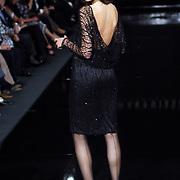 NLD/Amsterdam/20070915 - Modeshow Mart Visser najaar 2007, model, mannequin op de catwalk