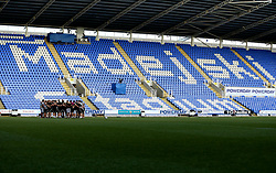 London Irish huddle at on the pitch at The Madejski Stadium ahead of The Greene King IPA Championship Final 2nd Leg - Mandatory by-line: Robbie Stephenson/JMP - 24/05/2017 - RUGBY - Madejski Stadium - Reading, England - London Irish v Yorkshire Carnegie - Greene King IPA Championship Final 2nd Leg