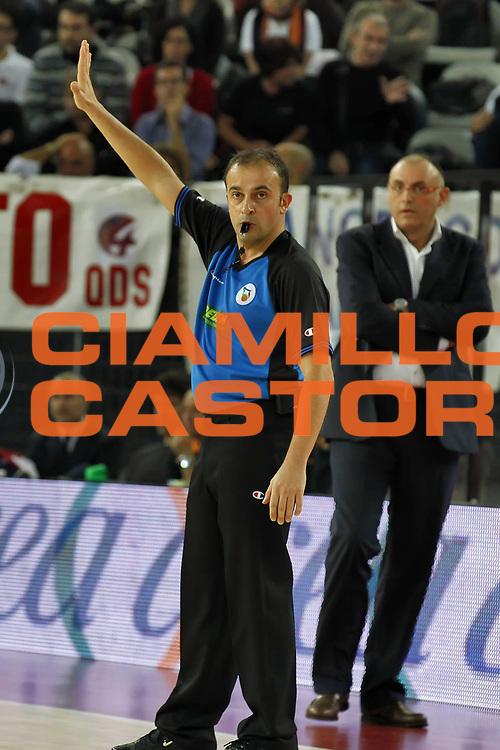 DESCRIZIONE : Roma Lega A 2010-11 Lottomatica Virtus Roma Benetton Treviso<br /> GIOCATORE : <br /> SQUADRA : Lottomatica Virtus Roma Benetton Treviso<br /> EVENTO : Campionato Lega A 2010-2011 <br /> GARA : Lottomatica Virtus Roma Benetton Treviso<br /> DATA : 14/11/2010<br /> CATEGORIA : aiap arbitro referees<br /> SPORT : Pallacanestro <br /> AUTORE : Agenzia Ciamillo-Castoria/ElioCastoria<br /> Galleria : Lega Basket A 2010-2011 <br /> Fotonotizia :Roma Lega A 2010-11 Lottomatica Virtus Roma Benetton Treviso<br /> Predefinita :