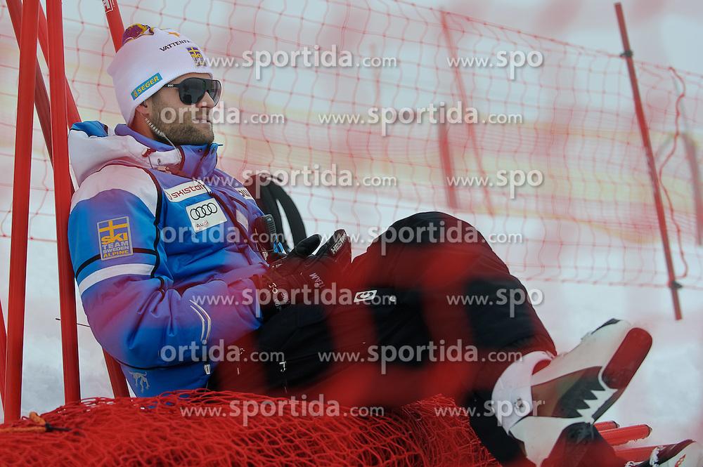 05.02.2013, Planai, Schladming, AUT, FIS Weltmeisterschaften Ski Alpin, Super G, Damen, im Bild ein schwedischer Trainer wartet auf den Start des Damen SG // A swedish coach waiting for the race during ladies SuperG at the FIS Ski World Championships 2013 at the Planai Course, Schladming, Austria on 2013/02/05. EXPA Pictures © 2013, PhotoCredit: EXPA/ Sandro Zangrando