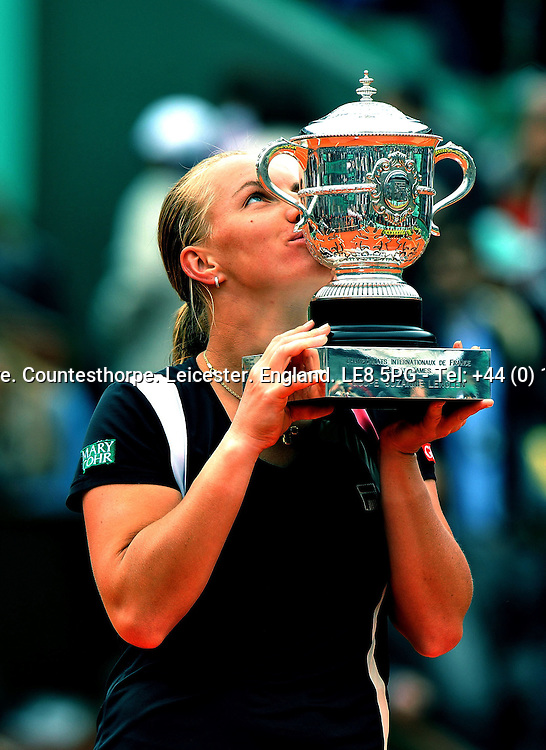 Svetlan KUZNETSOVA (RUS) the women's No 7 and new French Open 2009 Women's Champion kissing the winner's trophy<br /> <br /> Svetlan KUZNETSOVA (RUS) beat Dinara SAFINA (RUS) 6-4 6-2 <br /> <br /> Tennis - French Open - Day 14 - Sat 06 Jun 2009 - Roland Garros - Paris - France<br /> <br /> &copy; CameraSport - 43 Linden Ave. Countesthorpe. Leicester. England. LE8 5PG - Tel: +44 (0) 116 277 4147 - admin@camerasport.com - www.camerasport.com
