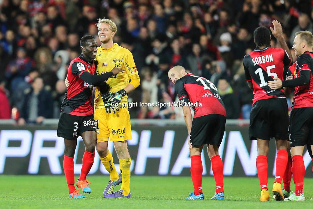Joie Guingamp - Jonas LOSSL / Benjamin BROU ANGOUA - 14.12.2014 - Guingamp / Paris Saint Germain - 18eme journee de Ligue 1<br />