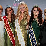 NLD/Nijkerk/20110710 - Miss Nederland verkiezing 2011, Miss Nederland 2011  Jill Lauren de Robles, Miss Nederland Universe 2011 Kelly Weekers en Miss Nederland Earth Jill Duijves met Kim Kotter en .....