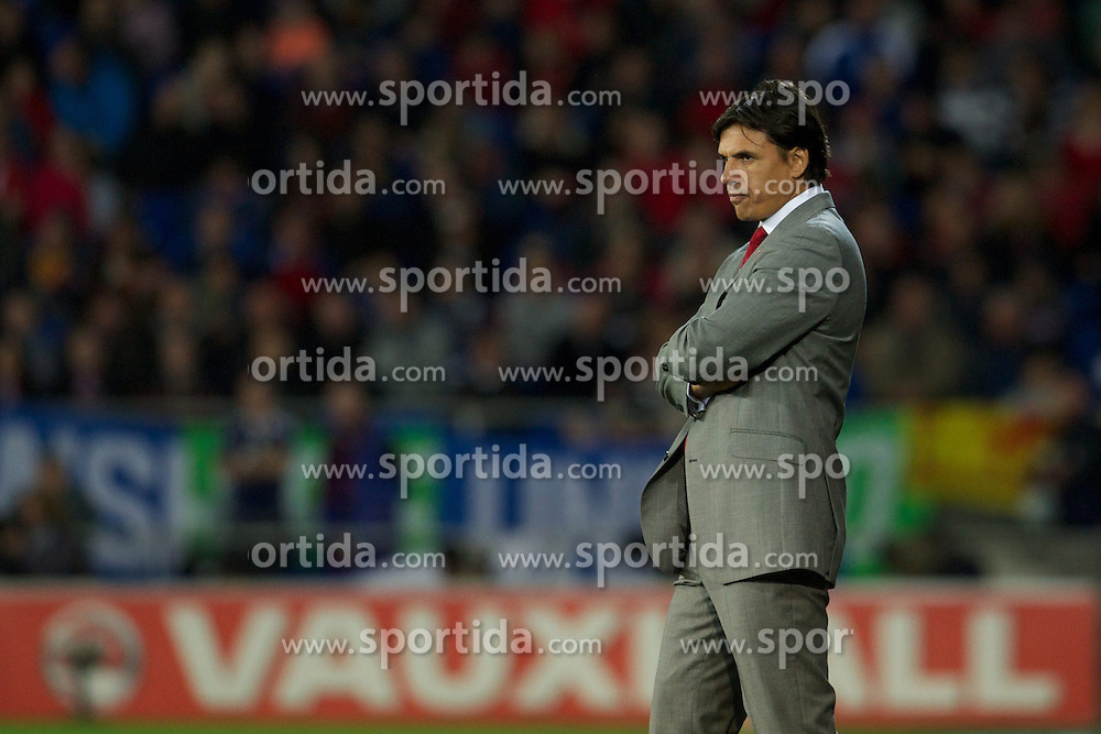 12.10.2012, Cardiff City Stadium, Cardiff, WAL, FIFA WM Qualifikation, Wales vs Schottland, im Bild Wales' manager Chris Coleman during during FIFA World Cup Qualifier Match between Wales and Scotland at the Cardiff City Stadium, Cardiff, Wales on 2012/10/12. EXPA Pictures © 2012, PhotoCredit: EXPA/ Propagandaphoto/ David Rawcliffe..***** ATTENTION - OUT OF ENG, GBR, UK *****