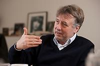 19 JAN 2010, BERLIN/GERMANY:<br /> Hartwig Masuch, Geschaeftsfuehrer BMG Rights Management, waehrend einem Interview, in seinem Buero, BMG Rights Management<br /> IMAGE: 20100119-01-032