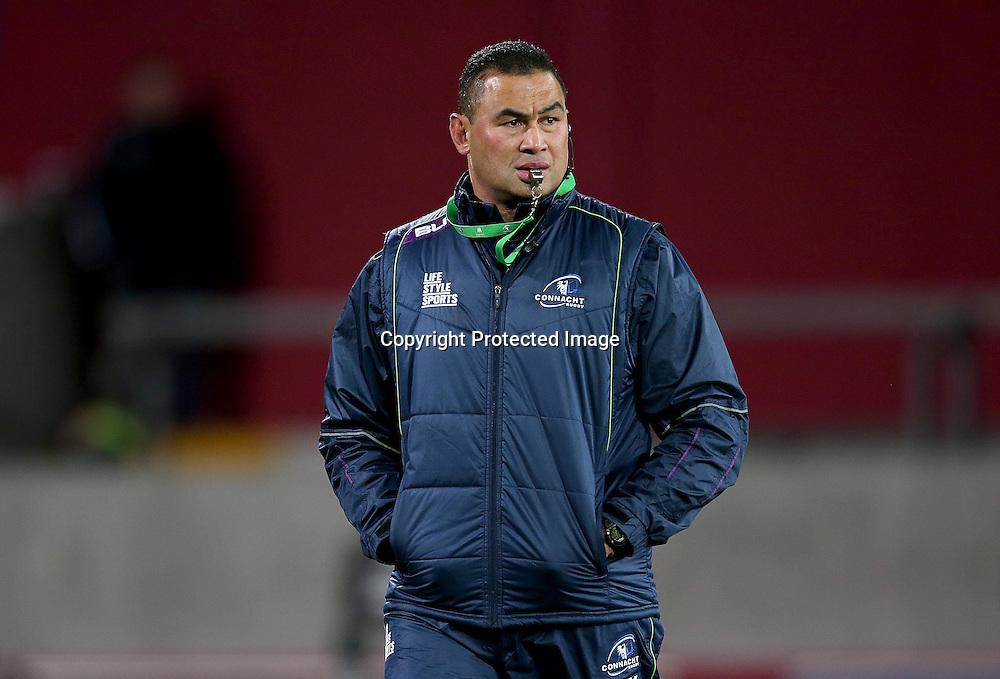 Guinness PRO12, Thomond Park, Limerick 28/11/2015<br /> Munster vs Connacht<br /> Head coach Pat Lam of Connacht <br /> Mandatory Credit &copy;INPHO/Dan Sheridan