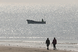 March 30, 2019 - London, London, UK - Marazion, UK. People enjoy the warm weather conditions on the coast at Marazion in Cornwall, West England. (Credit Image: © Lnp-4930/London News Pictures via ZUMA Wire)