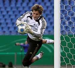 12.10.2009, Nordbank Arena, Hamburg, GER, DFB, Öffentliches Training im Bild, Rene Adler mit Flugparade, EXPA Pictures © 2009 for Austria only, Photographer EXPA / NPH /Koring