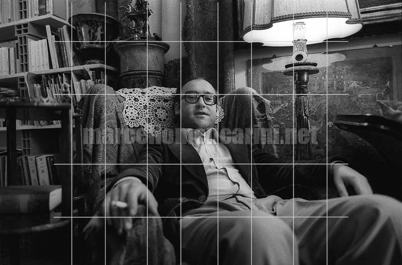 Milan, 1980. Italian composer Salvatore Sciarrino in his home / Milano, 1980. Il compositore Salvatore Sciarrino nella sua casa - © Marcello Mencarini