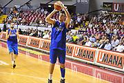 DESCRIZIONE : Venezia Lega A 2015-16 Amichevole Umana Reyer Venezia De Longhi Treviso Basket<br /> GIOCATORE : agustin fabi<br /> CATEGORIA : Tiro Tre Punti<br /> SQUADRA : Umana Reyer Venezia Treviso Basket De Longhi<br /> EVENTO : Campionato Lega A 2015-2016 <br /> GARA : Umana Reyer Venezia De Longhi Treviso Basket<br /> DATA : 16/09/2015<br /> SPORT : Pallacanestro <br /> AUTORE : Agenzia Ciamillo-Castoria/Michele Gregolin<br /> Galleria : Lega Basket A 2015-2016  <br /> Fotonotizia : Venezia Lega A 2015-16 Amichevole Umana Reyer Venezia De Longhi Treviso Basket<br /> Predefinita :