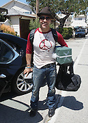 30.JUNE.2011. MALIBU<br /> <br /> ACTOR JEREMY PIVEN SMILING HOLDING PRESENTS FROM THE ENTOURAGE WRAP PARTY. JEREMY'S CAR WAS FULL OF GIFTS AND HE HAD GIVEN OUT 'BEATS HEADPHONES BY DR.DRE' TO EVERYONE IN RETURN.<br /> <br /> BYLINE: EDBIMAGEARCHIVE.COM<br /> <br /> *THIS IMAGE IS STRICTLY FOR UK NEWSPAPERS AND MAGAZINES ONLY*<br /> *FOR WORLD WIDE SALES AND WEB USE PLEASE CONTACT EDBIMAGEARCHIVE - 0208 954 5968*