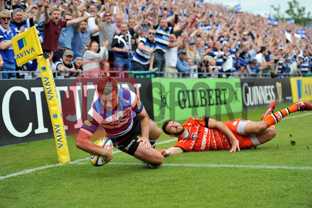 George Ford of Bath Rugby scores a try in the second half - Photo mandatory by-line: Patrick Khachfe/JMP - Mobile: 07966 386802 23/05/2015 - SPORT - RUGBY UNION - Bath - The Recreation Ground - Bath Rugby v Leicester Tigers - Aviva Premiership Semi-Final