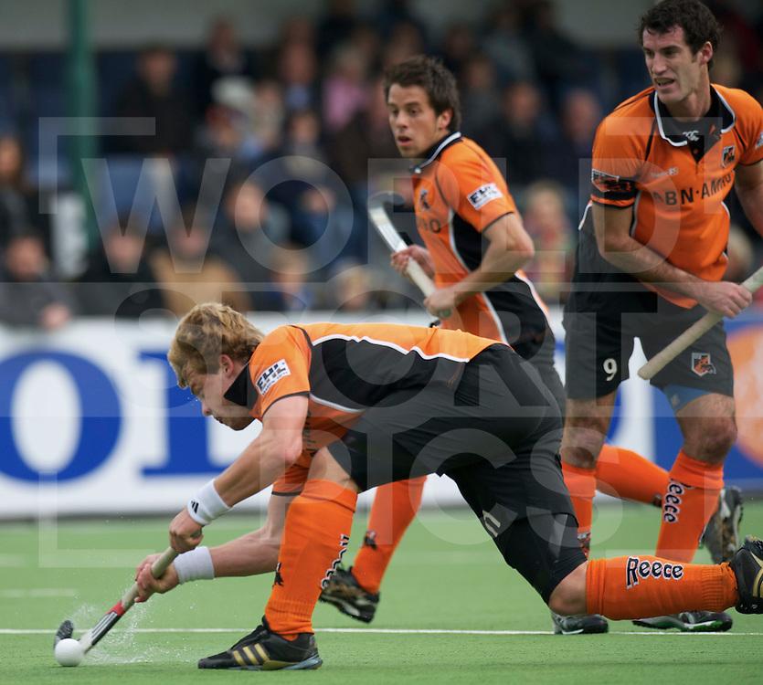EINDHOVEN - EHL Hockey ronde 1.Dynamo kazan - Oranje Zwart.foto: Penalty corner wih Mink van der Weerden..FFU PRESS AGENCY COPYRIGHT FRANK UIJLENBROEK..