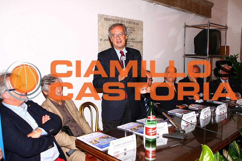 DESCRIZIONE : Roma Campidoglio Presentazione Campionato di Lega Basket Femminile 2006-2007<br /> GIOCATORE : Lambrusci Rivera Veltroni Di Marco Aimola Maifredi Troncarelli <br /> SQUADRA : Lega Basket Femminile<br /> EVENTO : Roma Campidoglio Presentazione Campionato di Lega Basket Femminile 2006-2007<br /> GARA :<br /> DATA : 03/10/2006 <br /> CATEGORIA : <br /> SPORT : Pallacanestro <br /> AUTORE : Agenzia Ciamillo-Castoria/E.Castoria <br /> Galleria : Lega Basket A1 2006-2007<br /> Fotonotizia : Roma Campidoglio Presentazione Campionato di Lega Basket Femminile 2006-2007<br /> Predefinita :