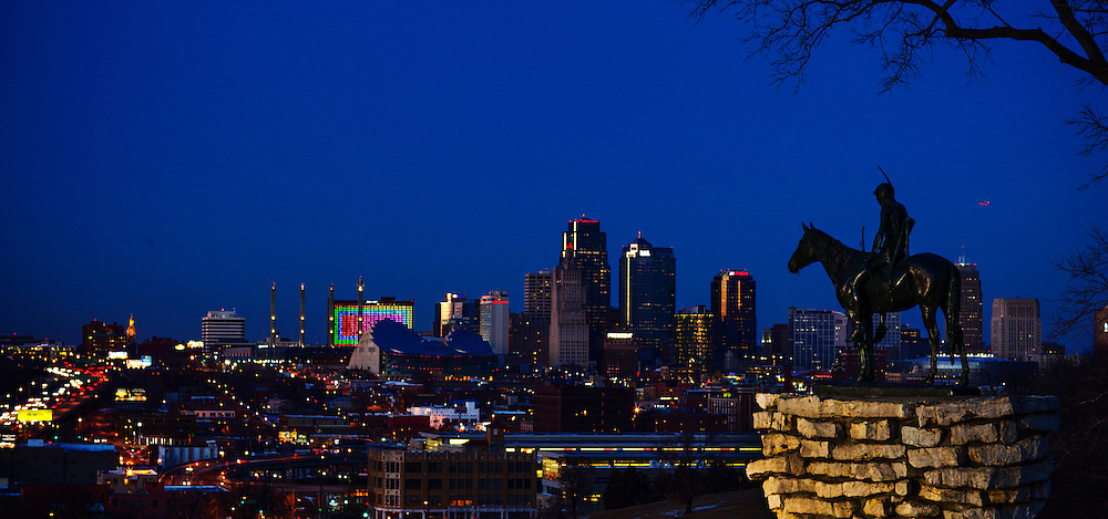 KANSAS CITY, MO:  The Scout Statue overlooking Kansas CIty, Missouri