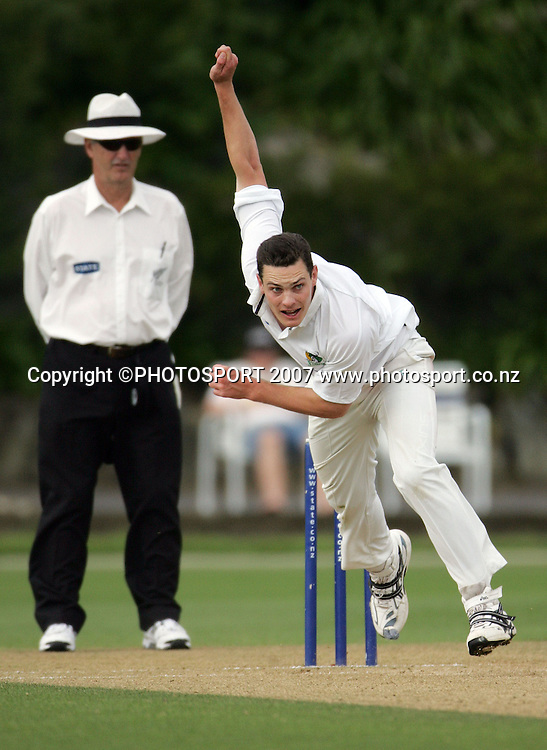 Central's Mitchell McClenaghan. Auckland Aces v Central Stags. State Championship Cricket. Eden Park Outer Oval, Auckland, New Zealand. Tuesday 20 November 2007. Photo: Hagen Hopkins/PHOTOSPORT