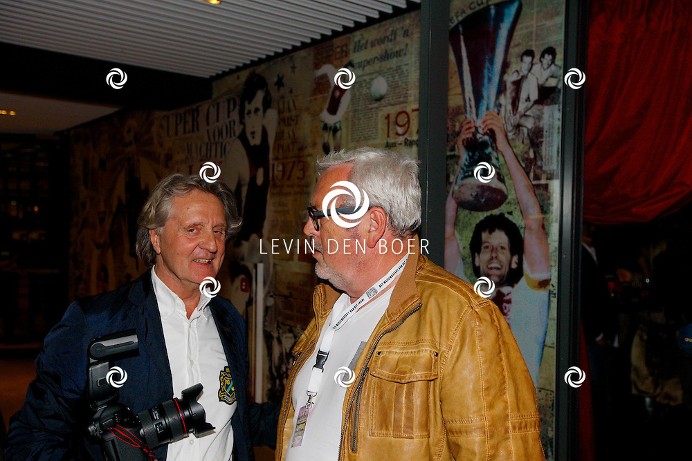 AMSTERDAM - Na het concert van De Toppers is er de welbekende VIP PARTY voor alle bekende Nederlanders. Met hier op de foto  Ernst Daniël Smid die door de beveiliging van de ArenA werd geweigerd op de VIP Afterparty. Ernst Daniël Smid werd hierop woedend. Dennis van Tellingen heeft Ernst Daniël Smid uiteindelijk weg getrokken en alles gesust. FOTO LEVIN DEN BOER - PERSFOTO.NU