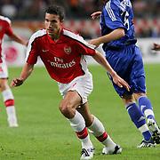 NLD/Amsterdam/20080808 - LG Tournament 2008 Amsterdam, Ajax v Arsenal, Rasmus Lindgren in duel met Robin van Persie