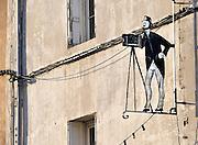 Frankrijk, Orange, 15-4-2012Uithangbord van een ouderwetse fotograaf aan de gevel van de winkel van een fotograaf.Foto: Flip Franssen/Hollandse Hoogte